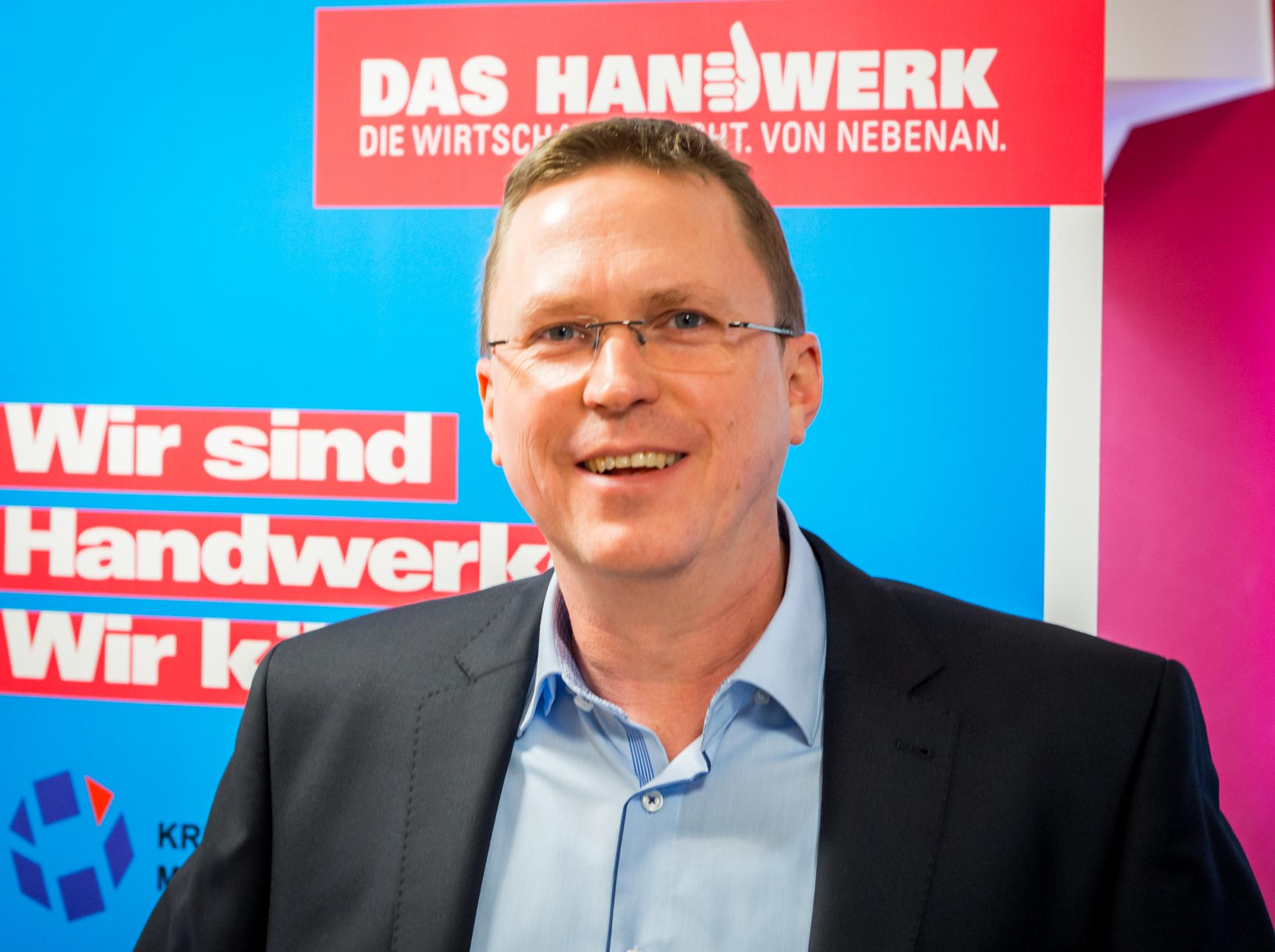 Herr Klaus Molzberger